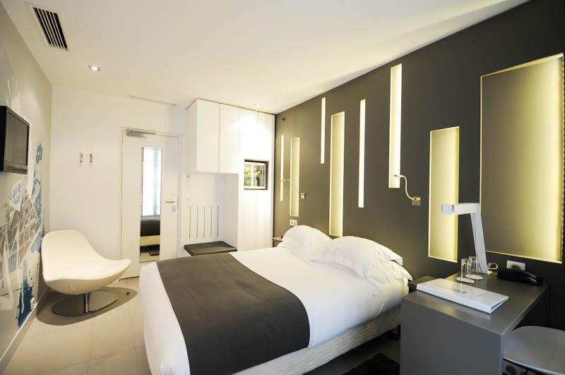 Hotel arc de triomphe etoile paris 17e for Chambre hotel