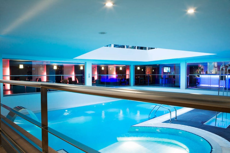 Hotel paris avec piscine for Belle piscine paris