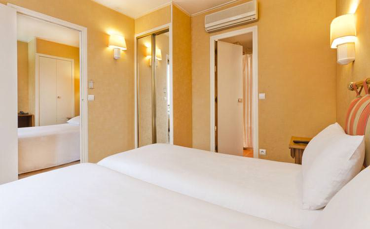 Chambre quadruple hotel California Saint Germain