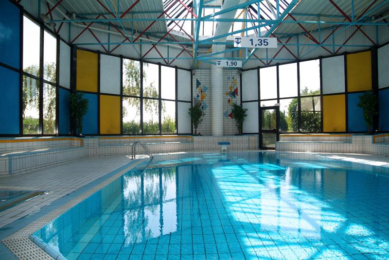 Hotel saphir sur h tel paris - Pontault combault piscine ...