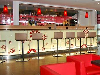 Hotel ibis paris 17 clichy batignolles sur h tel paris - Restaurant italien porte maillot paris 17 ...