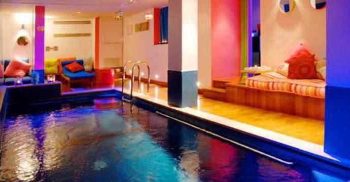 H tels paris avec piscine for Hotel avec piscine dans la chambre