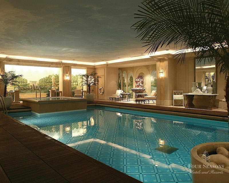 H tel four seasons george v sur h tel paris for Piscine hotel paris