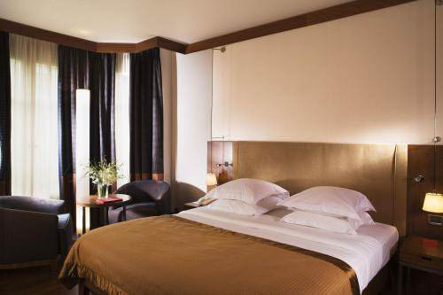 Chambre Affaire hotel Radisson Blu Champs Elysees