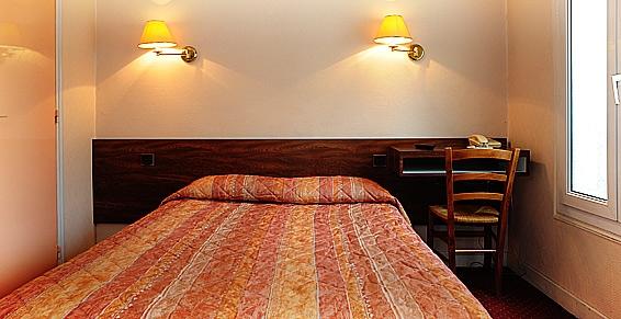 h tel cactus sur h tel paris. Black Bedroom Furniture Sets. Home Design Ideas