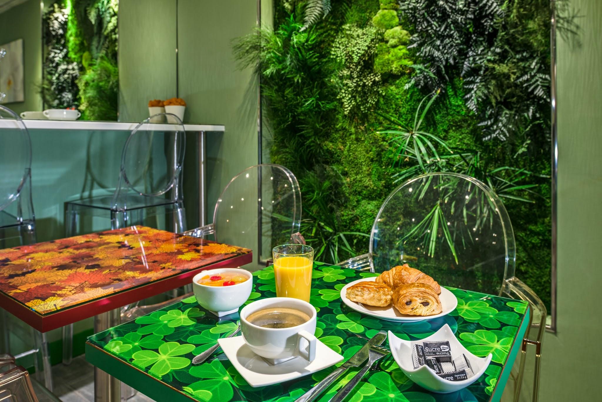 Hotel les jardins de montmartre sur for Les jardins de paris hotel