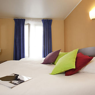 Photo de Hôtel Ibis Styles Paris Lafayette Opéra