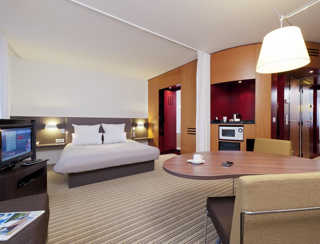 Hotel Suite Novotel Porte De La Chapelle  Paris 18e Sur