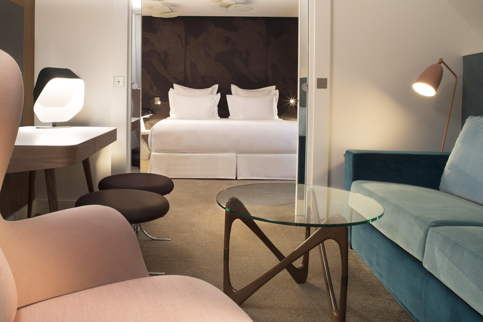 h tel dupond smith sur h tel paris. Black Bedroom Furniture Sets. Home Design Ideas
