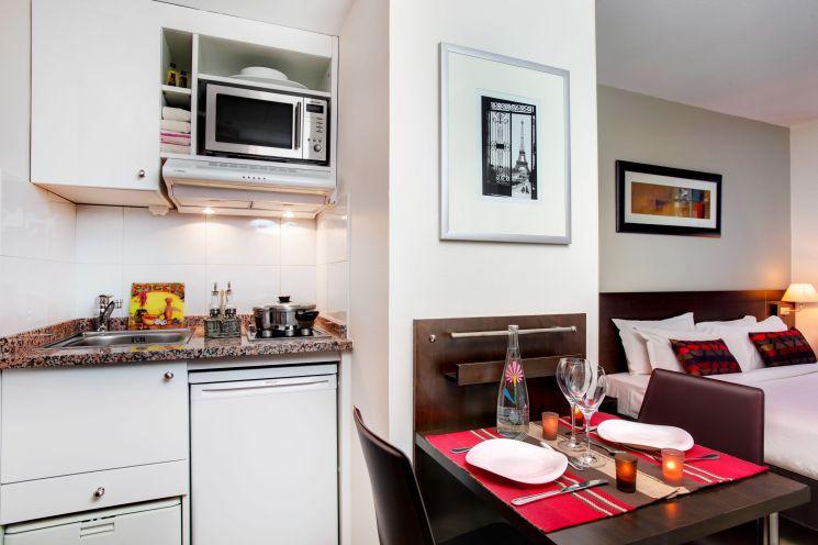 citadines la d fense paris sur h tel paris. Black Bedroom Furniture Sets. Home Design Ideas
