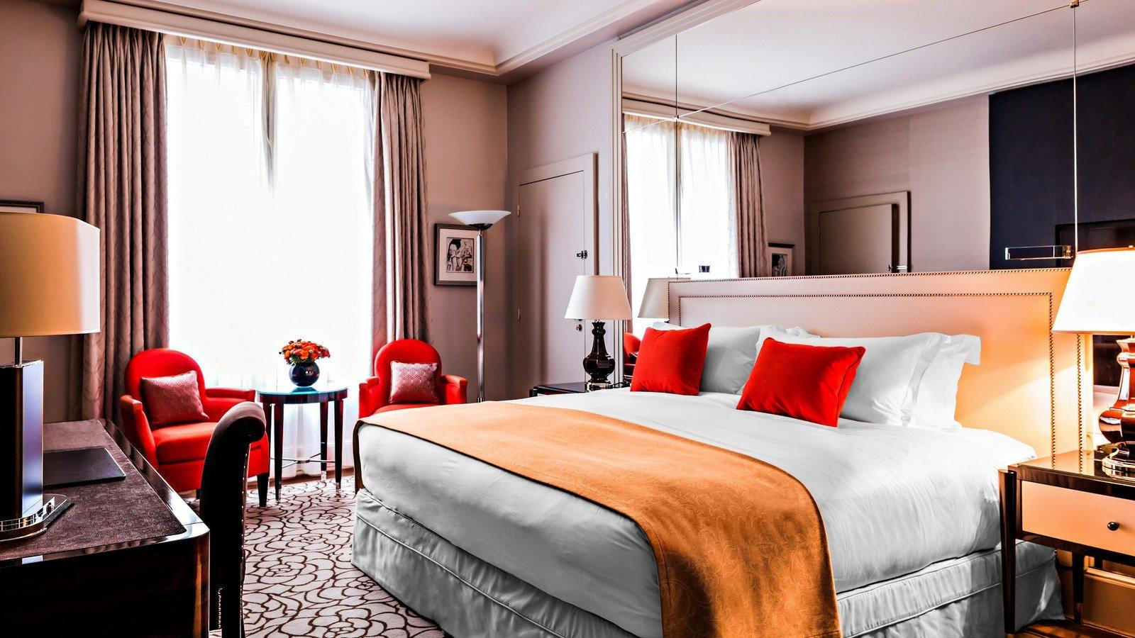 prince de galles champs elys es sur h tel paris. Black Bedroom Furniture Sets. Home Design Ideas