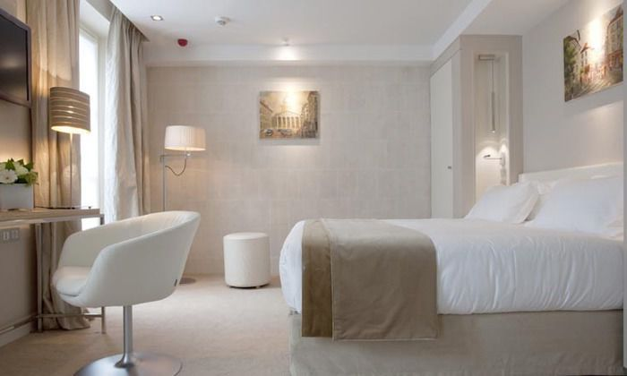 H tels 4 toiles paris for Chambre d hotel france