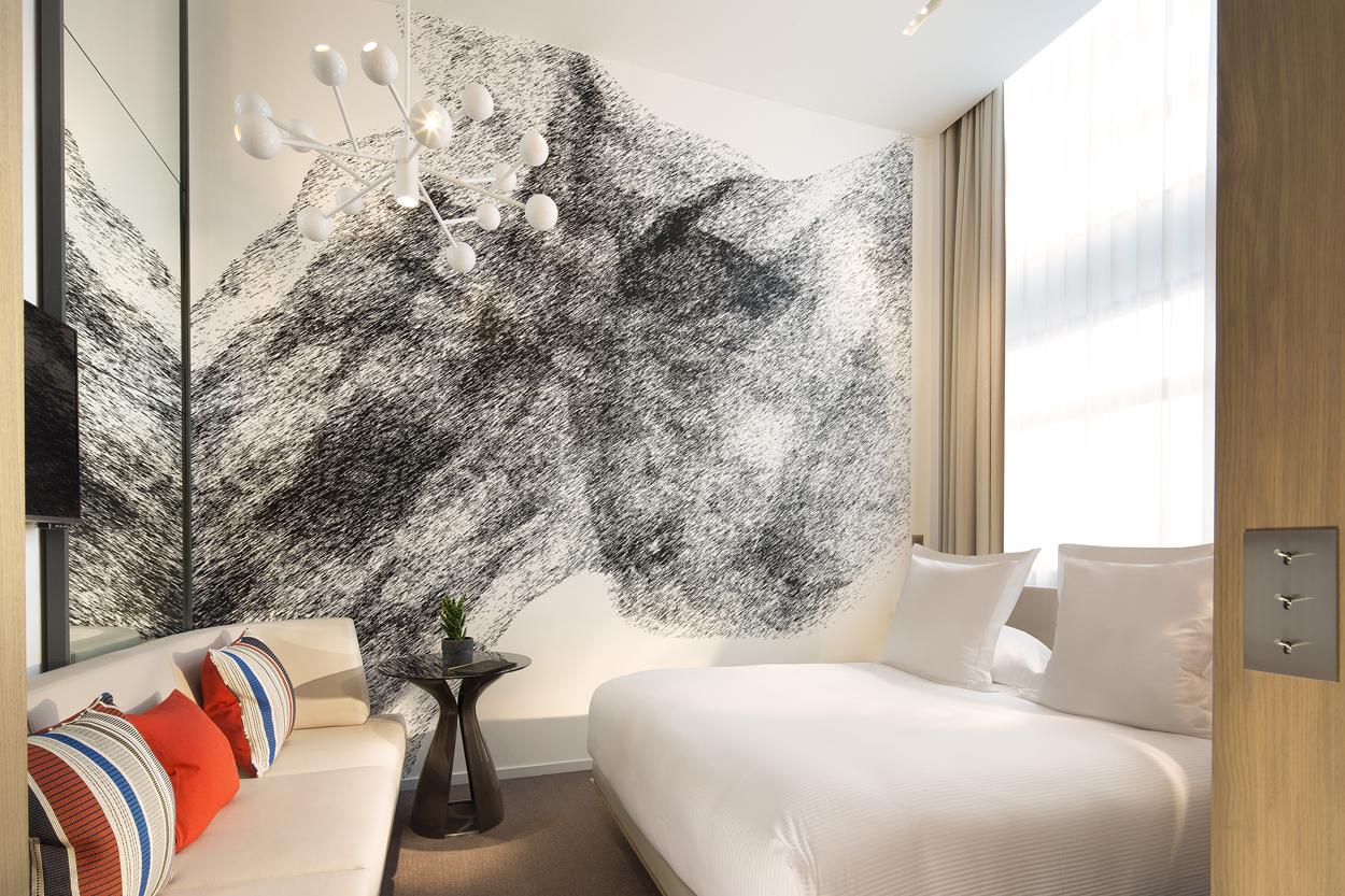 le cinq codet sur h tel paris. Black Bedroom Furniture Sets. Home Design Ideas