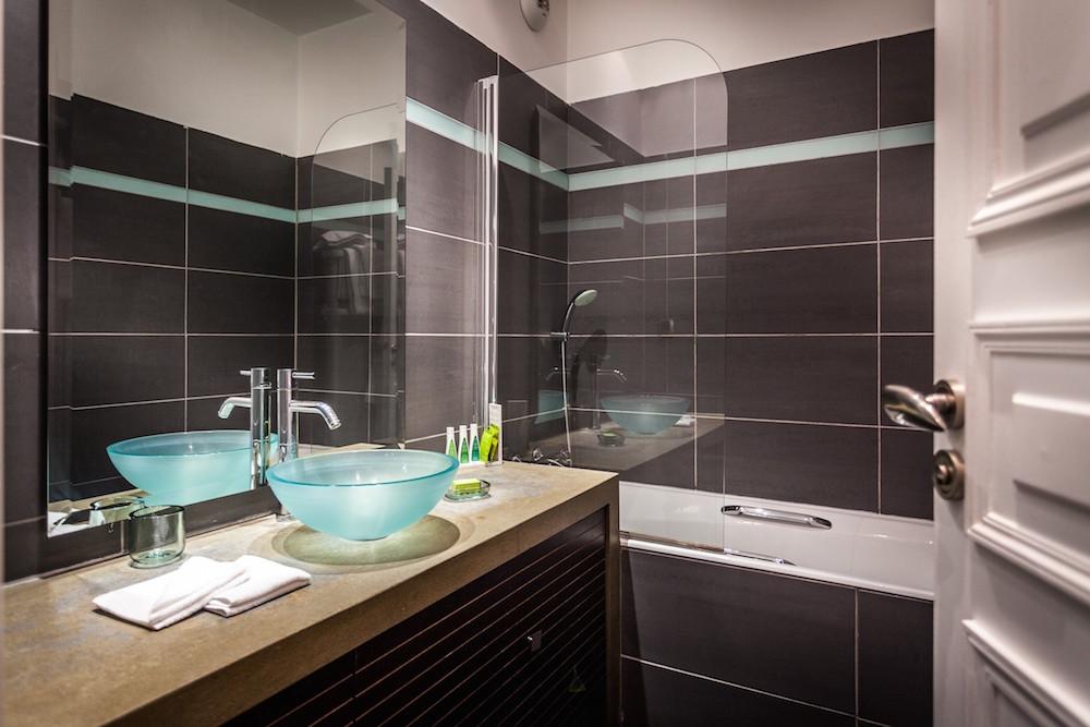 Residence  U0026 Spa Le Prince Regent Sur H U00f4tel  U00e0 Paris
