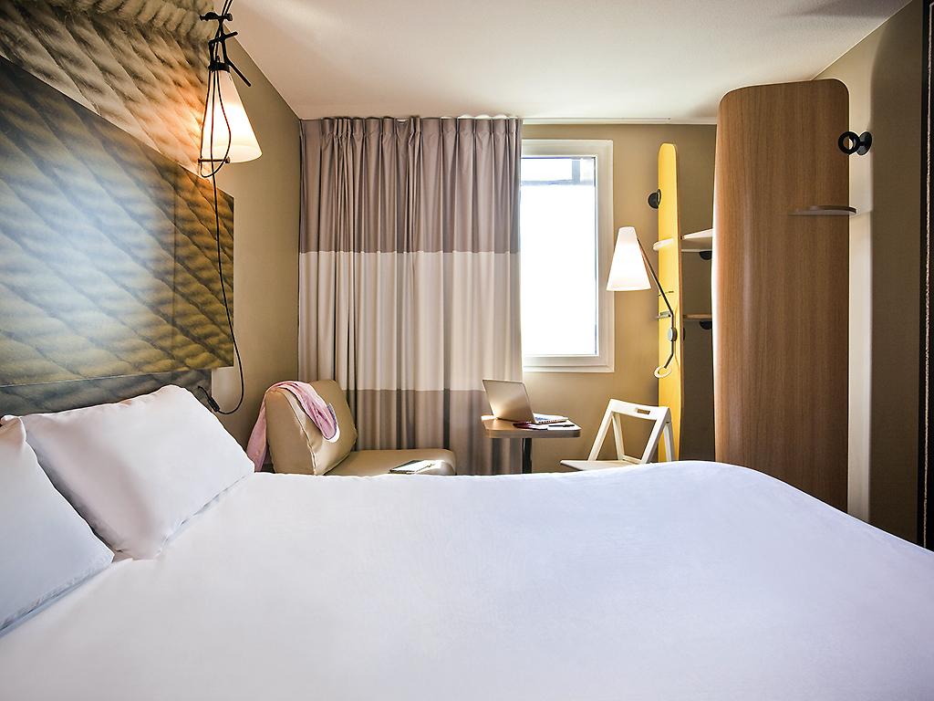 ibis paris porte de clichy centre sur h tel paris. Black Bedroom Furniture Sets. Home Design Ideas