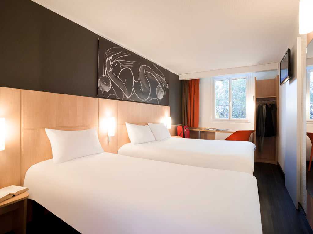 hotel ibis paris 14 me arrondissement. Black Bedroom Furniture Sets. Home Design Ideas