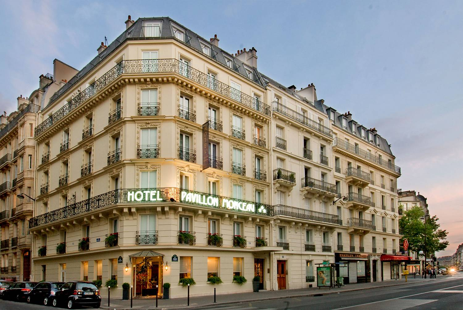 H tel pavillon monceau sur h tel paris for Trouver un hotel paris