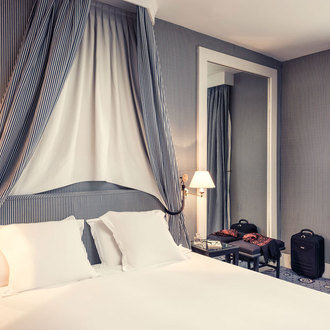 Hotel Mercure Paris Champs Elysees