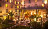Blog thumbnail terrasse du patio soir hotel du collectionneur