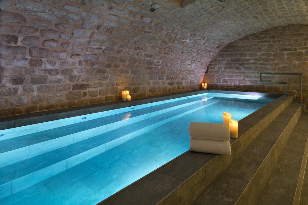 Saint valentin les meilleurs h tels avec jacuzzi le - Hotel avec piscine interieure paris ...
